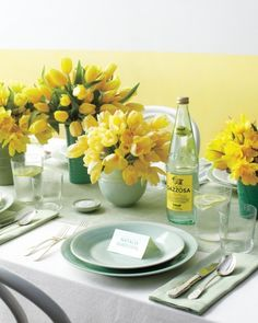 Wedding Trends lemon mint color palette, mint place settings, early spring floral of yellow tulips and daffodils, coordinating color ceramic containers Aqua Wedding, Wedding Table, Wedding Flowers, Wedding Mandap, Gatsby Wedding, Wedding Album, Wedding Receptions, Wedding Dresses, Deco Table