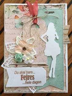 HAPPYMADE: Konfirmationskort til pigen Envelope Punch Board, Hula, Tim Holtz, Scrapbook Cards, Emboss, Communion, Give It To Me, Banner, Arts And Crafts