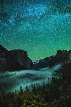 Photo by Yi Fan. Yosemite Valley, CA under starry sky. Beautiful Sky, Beautiful Landscapes, Beautiful World, Beautiful Places, Landscape Photography, Nature Photography, Night Photography, Landscape Photos, Sky Full Of Stars