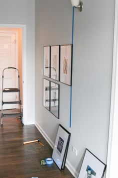 Tips to Hang a Symmetrical Gallery Wall in your Hallway How to hang a symmetrical gallery wall in your hallway to make a statement on a blank wall. Tips to get the frames hung just right so everything is level! Handmade Home Decor, Cheap Home Decor, Diy Home Decor, Up House, Do It Yourself Home, Design Blogs, Design Websites, Design Ideas, Home Decor Bedroom