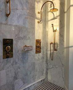 Parisian Apartment, Dream Apartment, Dream Shower, Most Beautiful People, Beautiful Moments, Shower Faucet, Bathroom Interior Design, Bathroom Designs, Bathroom Inspiration
