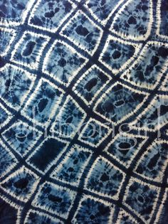 Unbelievable Indigo dyed makiage shibori by Glennis Dolce. This is one of my all time favorite pieces, saved for pic.
