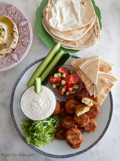 Tahini, Falafel, Food For Thought, Hummus, Appetizers, Ethnic Recipes, Falafels, Appetizer, Hors D'oeuvres