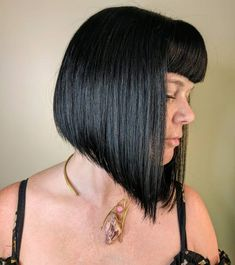 When it comes to flirty & fun, medium hairstyles with bangs have you covered. Check out the latest looks for medium-length hair & get some bangspiration! A Line Bob With Bangs, Bangs With Medium Hair, Bob Haircut With Bangs, Medium Hair Styles, Curly Hair Styles, Ponytail Styles, Medium Bob Hairstyles, Short Black Hairstyles, Afro Hairstyles