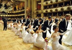 Der Wiener Opernball 2012 Heart Of Europe, Shall We Dance, Glamour, Period Costumes, Vienna Austria, Ballroom Dance, Ball Gowns, Classy, Models