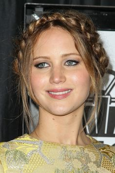 6 Favorite Jennifer Lawrence hairstyles - beautiful, braided crown!