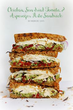 ❤️ Chicken, Sun-dried Tomato, & Asparagus Pesto Sandwich with Mozzarella. A gourmet sandwich and so easy! I Love Food, Good Food, Yummy Food, Sundried Tomato Chicken, Chicken Asparagus, Sundried Tomato Recipes, Chicken Salad, Creamy Asparagus, Beste Burger