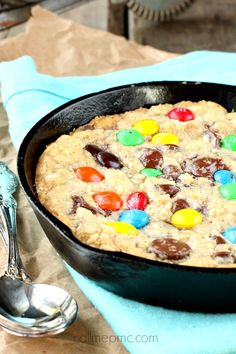 Double Chocolate Pizookie Recipe - rich decadent deep dish cookie, serve warm with ice cream! #callmepmc #pizookie #cookie #chocolatechip