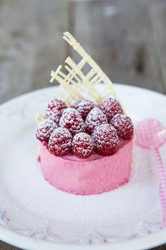 mini raspberry mousse cake