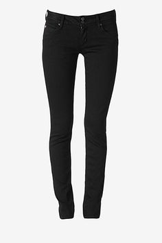 Shimmy into our Collin Signature Skinny jeans for the ultimate in slim-fitting style. Our Cheshire wash is a deep, pure black that will have you strutting the streets to your own theme music. In a body-skimming silhouette that makes every woman look like a glamazon, these are destined to become your most-loved skinnies.