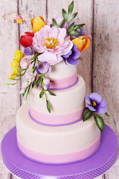 Tort cununie cu flori colorate