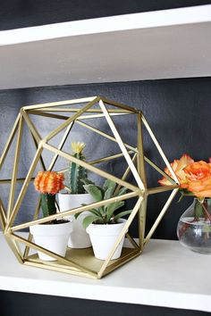 Globe planter - tons of fabulous diy ideas on A Beautiful Mess Cactus E Suculentas, Ideas Para Organizar, Idee Diy, Gold Diy, Geometric Designs, Geometric Shapes, Beautiful Mess, Home And Deco, Plant Holders