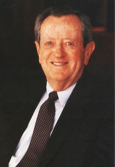 Under Mr. Bantle's leadership, sales for U.S. Tobacco, best known for its Skoal and Copenhagen brands, grew tenfold.