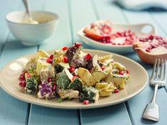 Padlizsán-gránátalma saláta – egy adag csicseriborsóval teheted még izgalmasabbá - Dívány Mozzarella, Eggplant, Cobb Salad, Feta, Potato Salad, Casserole, Bacon, Potatoes, Chicken