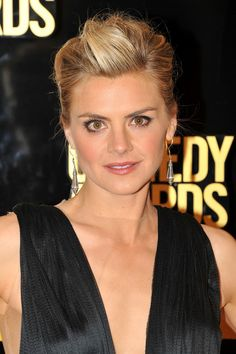 Realizing I'm a huge fan of Eliza Coupe's hair.