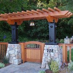 Traditional Landscape Craftsman Style Design, Pictures, Remodel, Decor and Ideas Back deck trellis re-do