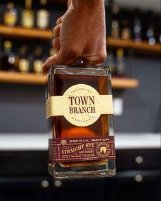 Town Branch Straight Rye Whiskey Review Bourbon Whiskey, Whisky, Popular Whiskey, Malted Barley, George Washington, Whiskey Bottle, Liquor, Gastronomia, Goodies