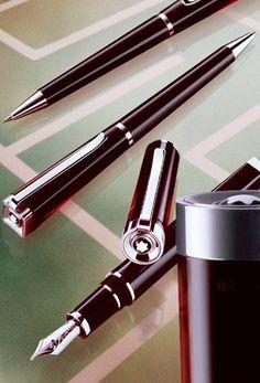 Montblanc - Franz Kafka - Writers Series Limited Edition Set - Fountain Pen / Ballpoint Pen / Mechanical Pencil