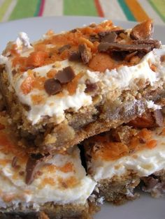 """Butterfinger Blondies Recipe    Ingredients  1 cup butter  1 cup light brown sugar  1/2 cup granulated sugar  2 tsp vanilla  2 eggs  2 1/2 cups all purpose flour  1 tsp baking soda  1 tsp coarse sea salt  2 cups coarsely chopped Butterfinger Bars (approx 16 """"Fun Size"""" bars)  Instructions  Preheat oven to 350°  Cream butter and sugars in mixing by ana"""