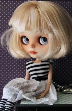 Roxy is a gorgeous custom factory blythe doll, this is her work done,  : face fully sanded and carved on her lips nose and philtrum : new