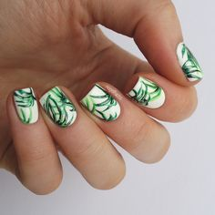 Nailpolis Museum of Nail Art | Palmleaf Nailart by nagelfuchs Palm leaves