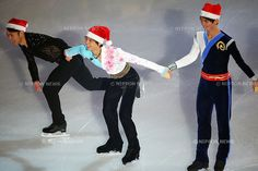 (L to R) Daisuke Takahashi, Yuzuru Hanyu, Ryuju Hino (JPN), .December 24, 2012 - Figure Skating : .All Japan Medalist On Ice 2012 .at Makomanai Ice Arena, Hokkaido, Japan. .(Photo by Daiju Kitamura/AFLO SPORT)