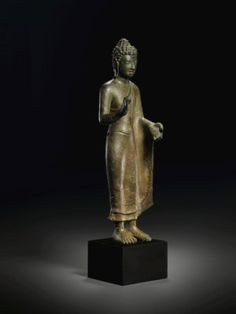 Art Thai, Asia Society, Standing Buddha, Thailand Art, Funky Art, Buddhist Art, Religious Art, Bronze Sculpture, Asian Art