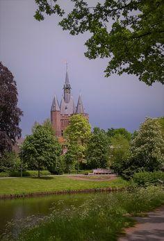 Zwolle, the Netherlands #cities #traveling #citytrip #sassenpoort #castles