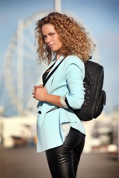 Stella Mc Cartney backpack http://www.cinderellasdiary.it/metropolitan-style-il-mio-outfit-all-day-long/