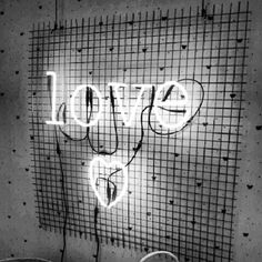 Lettres lumineuses Love chez Bonton  by Atelier rue verte                                                                                                                                                                                 Plus