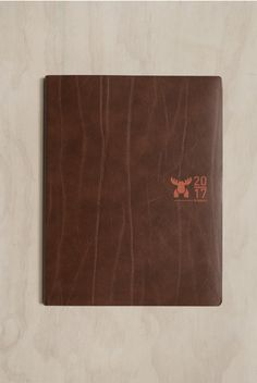 Brepols - Moose 2017 Diary Planner - Weekly Vertical - A5 (17x22cm) - Recycled Leather - Brown