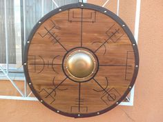 escudo viking Escudo Viking, Vikings, Viking Museum, Viking Decor, Viking Shield, Celtic Culture, Vegvisir, Don Quixote, Cosplay Characters