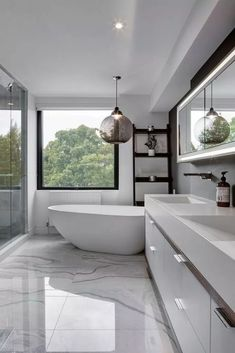 Bathroom ideas, bathroom renovation, master bathroom decor and master bathroom organization! Master Bathrooms may be beautiful too! From claw-foot tubs to shiny fixtures, they are the master bathroom that inspire me probably the most. Interior Design Minimalist, Modern Home Interior Design, Bathroom Interior Design, Modern Design, Luxury Interior, Hall Interior, Bathroom Sink Design, Marble Interior, Interior Painting