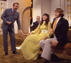 Host Ralph Edwards with Richard & Karen Carpenter on This Is Your Life, February 1971 Richard Carpenter, Karen Carpenter, Karen Richards, Classic Rock Albums, Life Tv, This Is Your Life, Aretha Franklin, George Harrison, Classic Tv