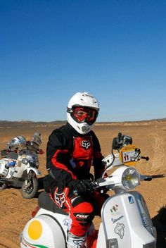 Offroad :-) Vespa Lambretta, Vespa Scooters, Lml Star, Cars And Motorcycles, Rally, Offroad, Racing, Bike, Costumes