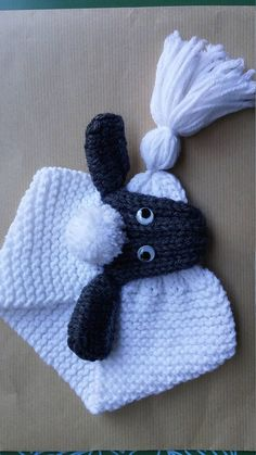 - · For babies and children hand knit scarf It closes by sliding the tassel from the tip of the head and adjustable acharpe to the neck of the child Neck circumference 30 cm (Garter stitch) for size Baby Knitting Patterns, Diy Knitting Scarf, Hand Knit Scarf, Knitting For Kids, Crochet Scarves, Loom Knitting, Knitting Projects, Crochet Projects, Hand Knitting