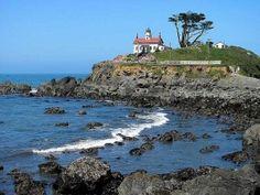 brookings oregon lighthouses - Google Search Brookings Oregon, Pacific Highway, Olympia Washington, Crescent City, Oregon Coast, Us Travel, Newport, Wonders Of The World, San Diego