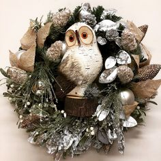 Owl wreath for a woodland inspired Christmas. Owl Wreaths, How To Make Wreaths, Woodland, Christmas Wreaths, Addiction, Christmas Swags, Holiday Burlap Wreath, Christmas Garlands
