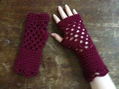 Cabled Crochet Wristlets/Gloves - YouTube