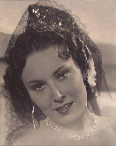 lída baarová - Hledat Googlem 1930s Fashion, Fashion Beauty, Actresses, Actors, Celebrities, 40 Years, Vintage, Czech Republic, Joseph