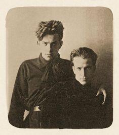 Vladimir Mayakovsky y Leonid Kuzmin, Moscú, 1912 ---------- Владимир Маяковский и Леонид Кузьмин Москва, 1912 год. -------------------- Музей В.В. Маяковского