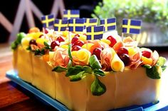 """Swedish """"smörgåstårta"""" translated word for word is: sandwich-cake. It has all the good things you could ever want in it, on it, around it. It is a bit rich, but no, it's not fattening. compared to pure butter! Sandwich Cake, Sandwich Recipes, Antipasto, Savory Cheesecake, Tea Loaf, Open Faced Sandwich, Cold Sandwiches, Norwegian Food, Scandinavian Food"""