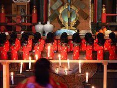 ざしきわらし祈年祭 遠野 toono, iwate, japan, 29 april  早池峰神社 hayachine shrine     zashikiwarashi child house sprites annual soul exchange ceremony   座敷わらしの魂入れ替え式 向きが変わっている     このサイトによると、この式は新しいもので、1983年に。新潟の実業家が早池峰神社を参拝した帰り、ザシキワラシが車に乗って一緒に来てしまったことから始まったそうです http://www41.tok2.com/home/kanihei5/tono-zasikiwarasi.html#