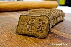 Como tarjetas en forma de pan, para un panadero:   29 Lindas tarjetas de presentación para los que buscan algo fuera de lo común