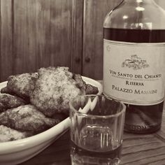 Sweet rice fritters & #vinsanto 😋 #tuscanyinlimo #pienza #Tuscany #italy #wine #winter #chianti #winelover #travel #picoftheday #italianfood #italianstyle #food #foodgram #foodgasm