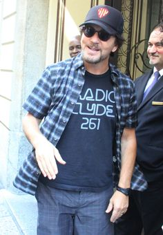 Eddie today in Milan!  If he shaved his beard and grew his hair real long he'd look just like he used to