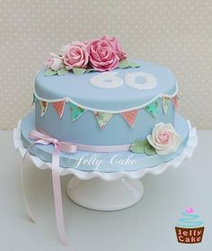 Another vintage cake idea! so cute! #birthday #vintage #cake