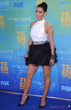 Kim Kardashian en la alfombra azul de los Teen Choice Awards 2011