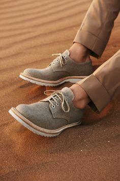 Great look for #butch girls (available at MUCH lower price points!) Prada lace-ups in beige linen with white rubber soles, $450. Sharp Dressed Man, Well Dressed Men, Fashion Moda, Mens Fashion, Style Fashion, Fashion Photo, Men Casual, Casual Shoes, Men Dress