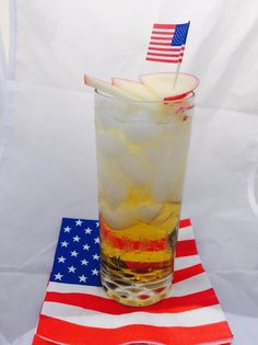 Fire in the Sky 1.5 oz. Jack Daniel's Tennessee Fire 1 oz. Apple Juice Ginger Beer Apple slices for garnish Shake Jack Fire with apple juice and ice. Strain over fresh ice into a Collins glass. Top with a mild ginger beer.